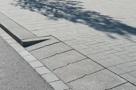 betonnen inritbanden in uitritconstructie