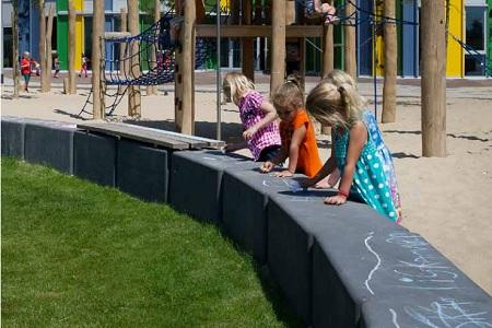 schoolplein inrichting met beton