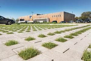 Groenbestrating Square Cross is de ideale verharding voor parkeerplaatsen.