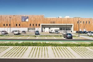 Met Square Cross creëer je een groene parkeerplaats met goede waterafvoer.