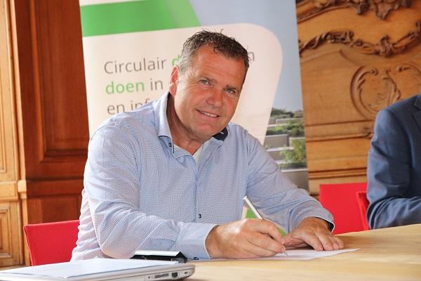 Adviseur & accountmanager Egbert Müller ondertekende het uitvoeringsprogramma uit naam van Struyk Verwo Infra.