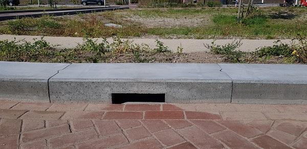 Wadi's worden veel toegepast bij het afkoppelen van woonwijken | Robuuste wadiband 40x35x100 cm