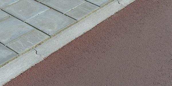 De vergevingsgezinde rijwielpadband heeft een profiel van 3/12x20 cm.