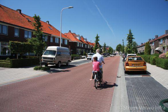 Overrijdbare banden|parkeerplaats met gitruittegels