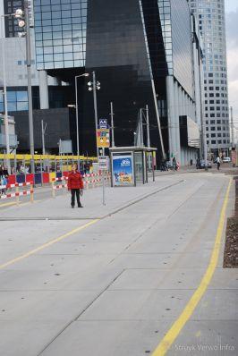 Tijdelijke busbaan uitgevoerd met vloerplaten