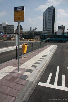 Inrichting bushalte|Geleidelijntegel|HOV band|noppenmarkeringstegel
