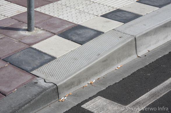 HOV band|verloopband naar bushalte|Busstation Utrecht CS