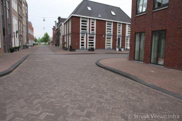 Trottoirband Woerden - Waterrijk banden i.c.m. gebakken klinkers