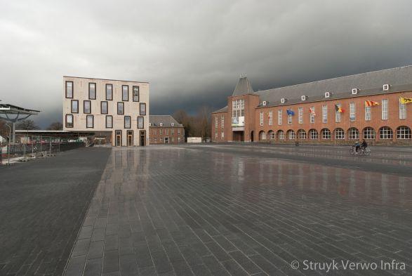 Liscio 60x20 nero|Stadsplein van Morstel