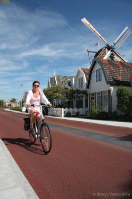 Fietsstraat-geleider|Fietsstraat met geleider Frieseweg Alkmaar