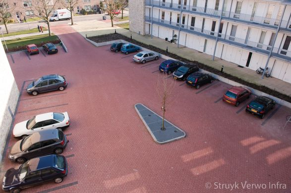Waterpasserende bestrating op parkeerplaats zorgcomplex|Easyflow