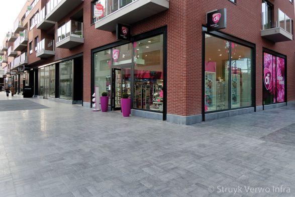 Geslepen bestrating toegepast in winkelcentrum|terrazzo bestrating