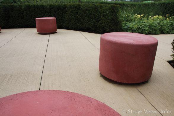 Betonnen sierpoefs|gekleurde betonnen poef