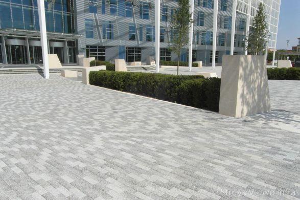 Betonstraatstenen 23,7x7,9|gemêleerde bestrating|betonstraatstenen|exclusieve bestrating