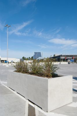 Bloembak 120x420|parkeerdak|Ikea Wilrijk|aanrijbeveiliging beton