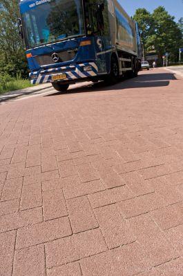 stil wegdek, liever geen asfalt