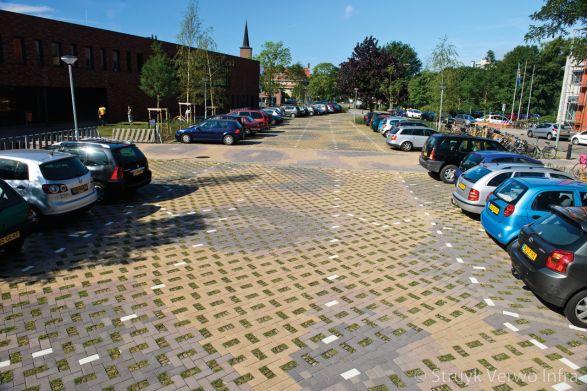 Greenbrick op parkeerplaats