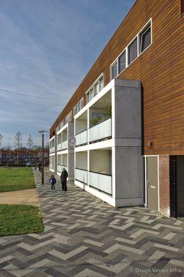 Mixbestrating in woonwijk Selissenwal|bestrating openbare ruimte