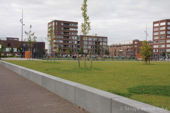Parkbanden van beton|Theo van Goghpark IJburg Amsterdam