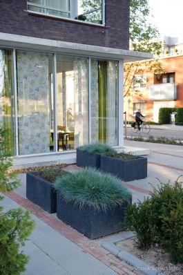 Bloembak uitgewassen zwart|buitenmeubilair beton