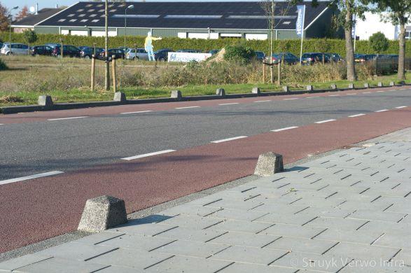 Lage sierpaal van beton