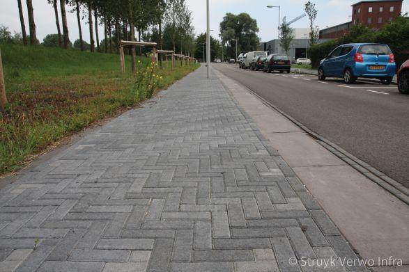 Trottoirband 40x35|Novato nero dikformaat|betonstraatsteen|elementenverharding