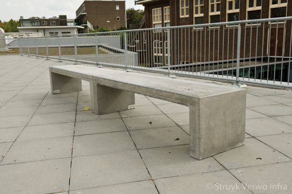 Zitbank van beton|parkbank|betonnen bank