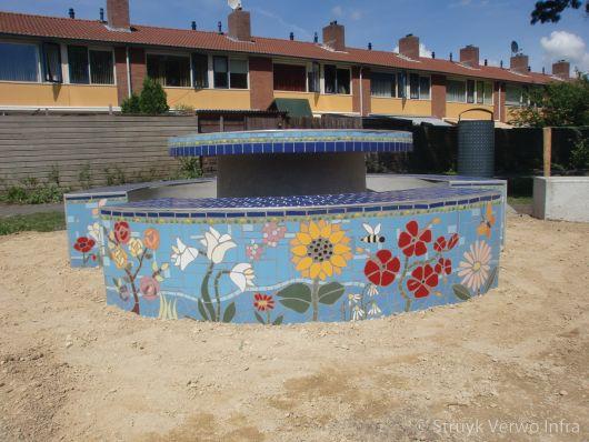 Betonnen picknickset met mozaïek|parkmeubilair beton