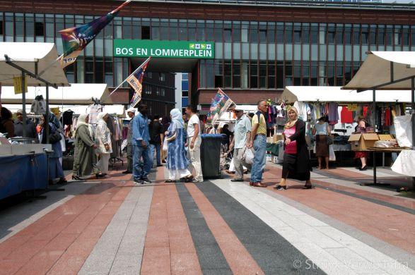 Bos en Lommerplein marktplein