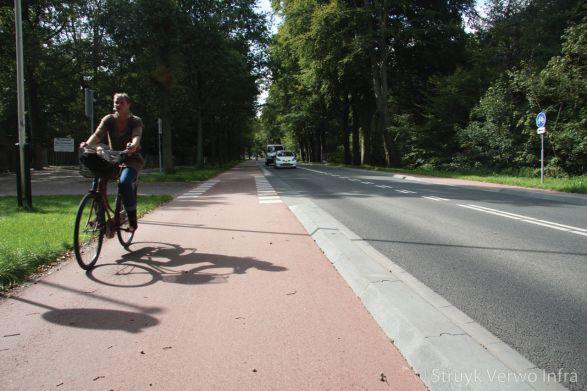 Scheidingsbanden 22/44x25|scheidingsband voor fietspad naast rijbaan