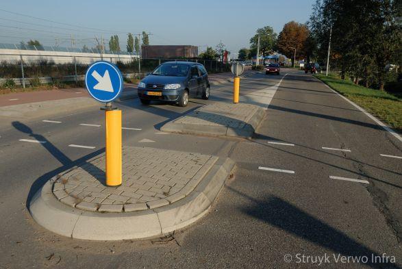 Verkeerseiland|RWS band|oversteekplaats stationsgebied