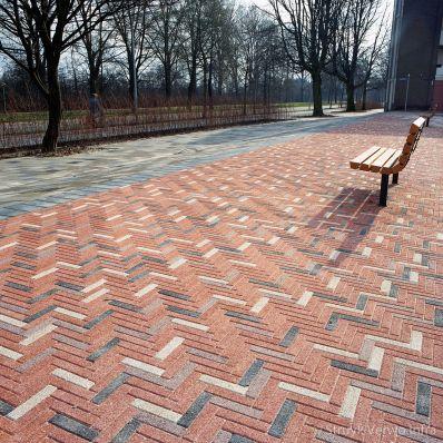 Waalformaten in diverse kleuren in straatwerk|betonstraatsteen|elementenverharding