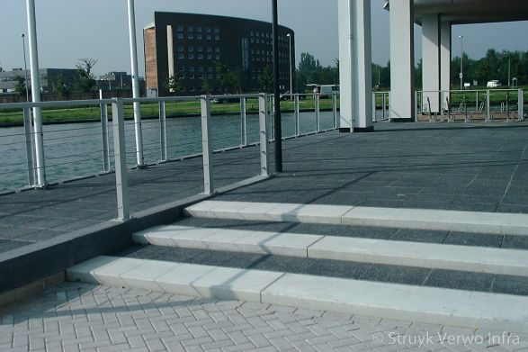 Betonnen traptreden grijs|bloktrede beton|trapelementen beton