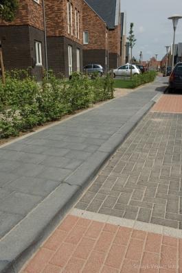 Parkeervakken met uitgewassen stenen
