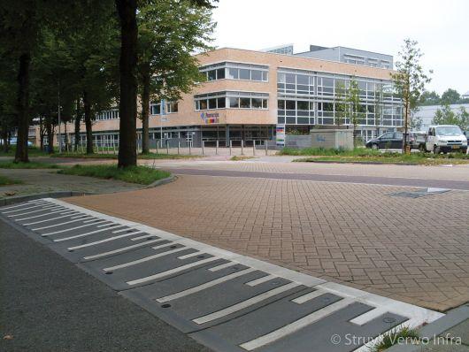Verkeersplateau voor schoolplein in Wageningen