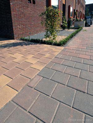 gekleurde betonstraatsteen