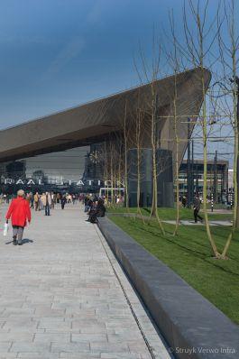 Band zwart gepolijst|Rotterdam Centraal Station|geslepen parkbanden