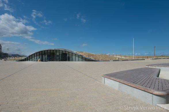 Uitgewassen natuurlijke deklaag met parelmoer en grove natuursteen|Perlano|Boulevard Katwijk