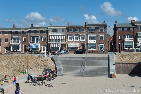Traptreden uitgewassen op Boulevard Katwijk