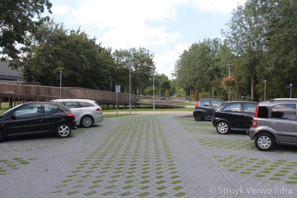 Bestrating met gras|Greenbrick|inrichting parkeerterrein