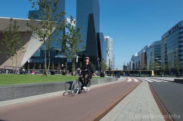 Trottoirband 28/30|Stationsplein Rotterdam|betonband 28/30