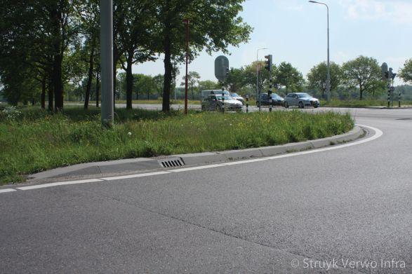 Brede RWS-band toegepast in kruispunt