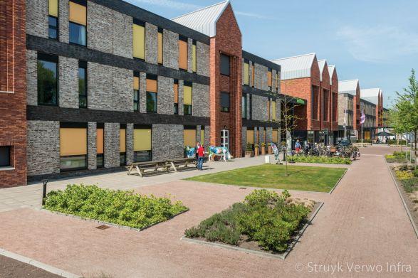 Lavaro 31,5x10,5 zwart oranje|Verpleeghuis Bertilla te Drachten|terra 600