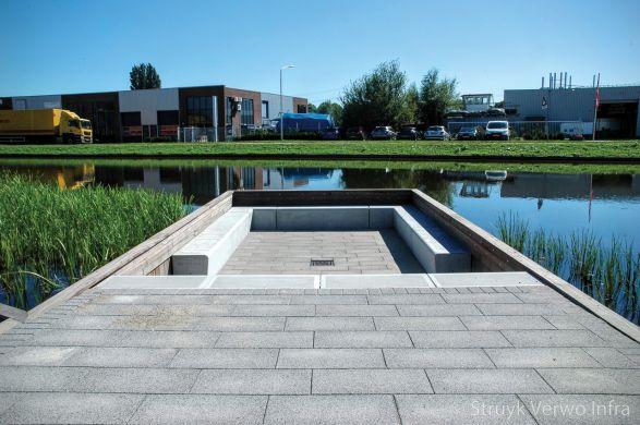 zithoek aan het water| zithoek van beton|Campus Papendrecht
