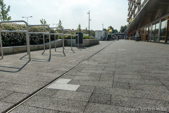 Mix van uitgewassen en geslepen bestrating|Chopinplein in Culemborg