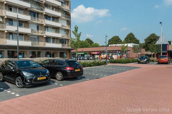 structura stenen rood|Chopinplein in Culemborg|inrichting parkeerterrein