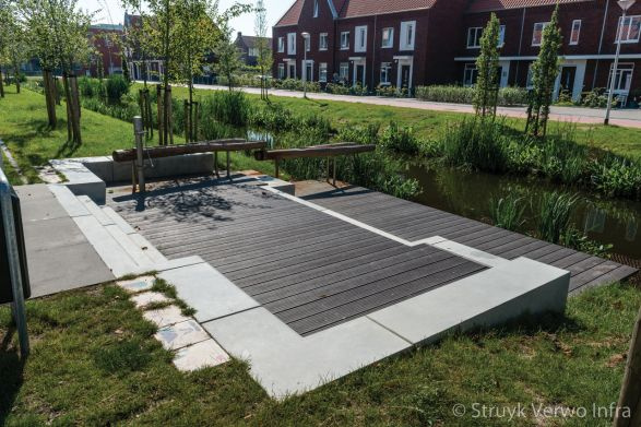 Zithoek met betonnen zitelementen|parkbanden|keerelement beton|zitranden beton