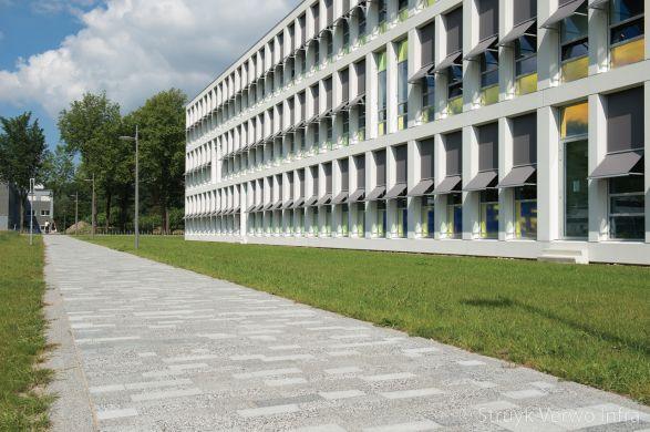 Mixpakket bestrating TU Delft|bestrating met meer texturen
