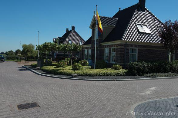 Baleno bruin 350|Eilandpad Broek op Langedijk|kleurvaste bestrating
