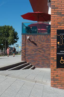 Uitgewassen tegel grijs|Filmhuis Pettemerstraat Alkmaar